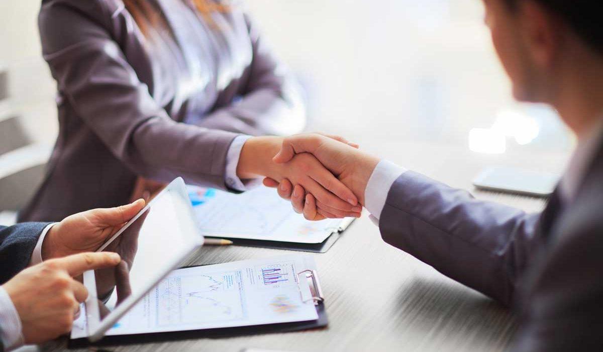 Nên học kinh nghiệm kinh doanh buôn bán từ đâu? Với ai? | TaxPlus